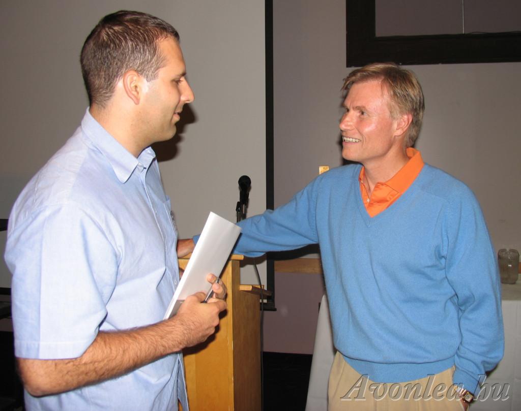 A 2004-es Avonlea Convention alatt Kevin Sullivannel beszélgetek