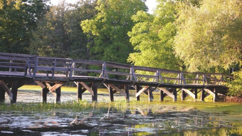 A híd, ahol Anne és Gilbert csókolóztak