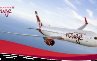 Az Air Canada Rouge repülője repül a levegőben
