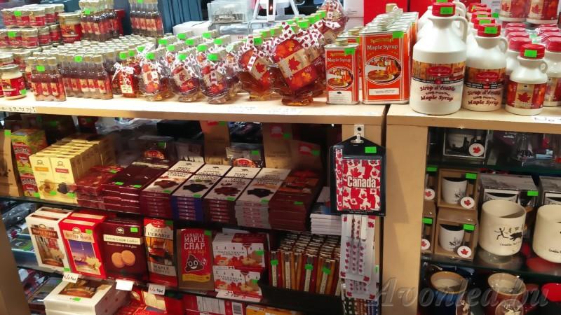 Mindenféle juharszirupos termék a St. Lawrence piac egyik boltjában