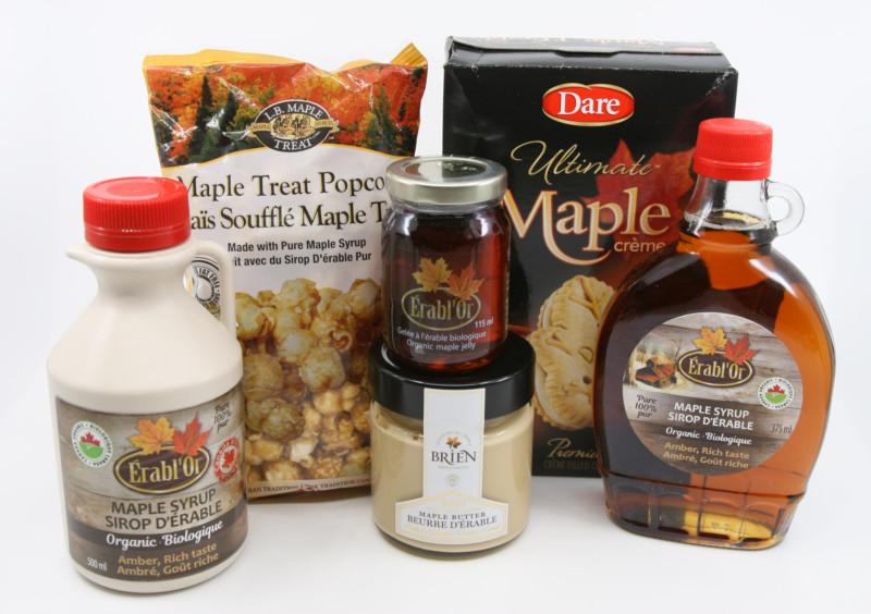 Juharszirupból készült termékek vannak a képen, juharszirupos popcorn, süti, juharvaj, juharszirupból készült zselé