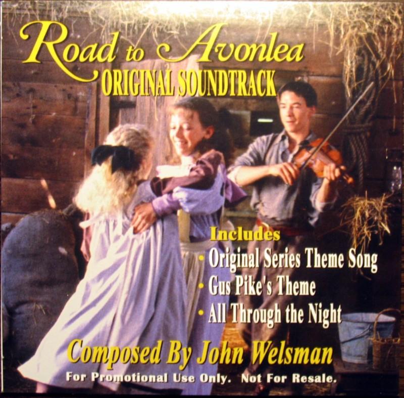 A John Welsman zenéit tartalmazó 2006-os CD-kiadás borítója, Sara táncol Felicityvel, Gus hegedül