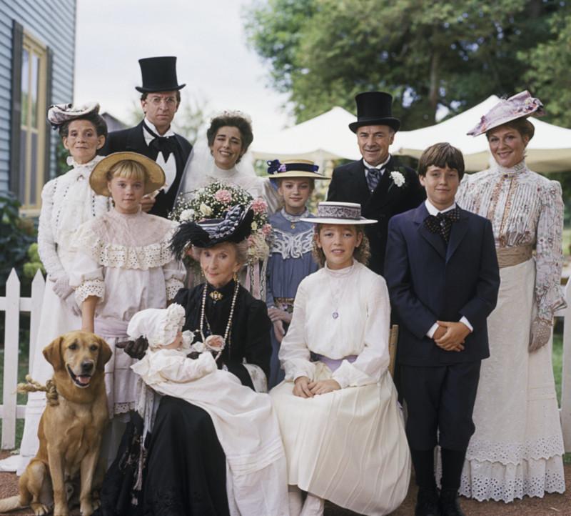 Fotó a King családról Olivia esküvője után