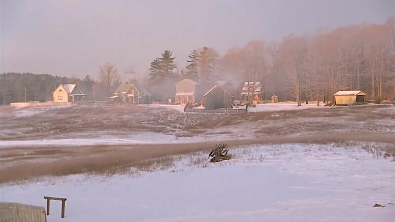 Avonlea télen, füstölő kémények a házakon