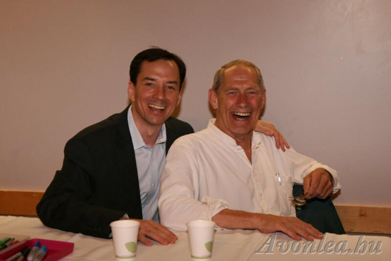 Mickey Mahonen (Gus Pike) és David Fox (Mr. Pettibone) a 2009-es AvConon