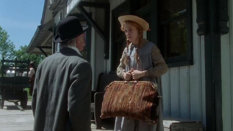 Jelenet a filmből: Anne találkozik Matthew-val az állomáson