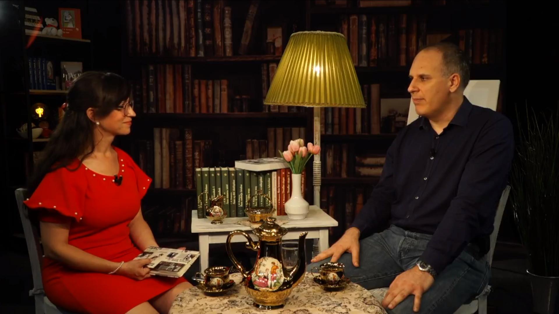 Ötórai tea és keksz, Majoros Szidónia beszélget Kozák Zsolttal