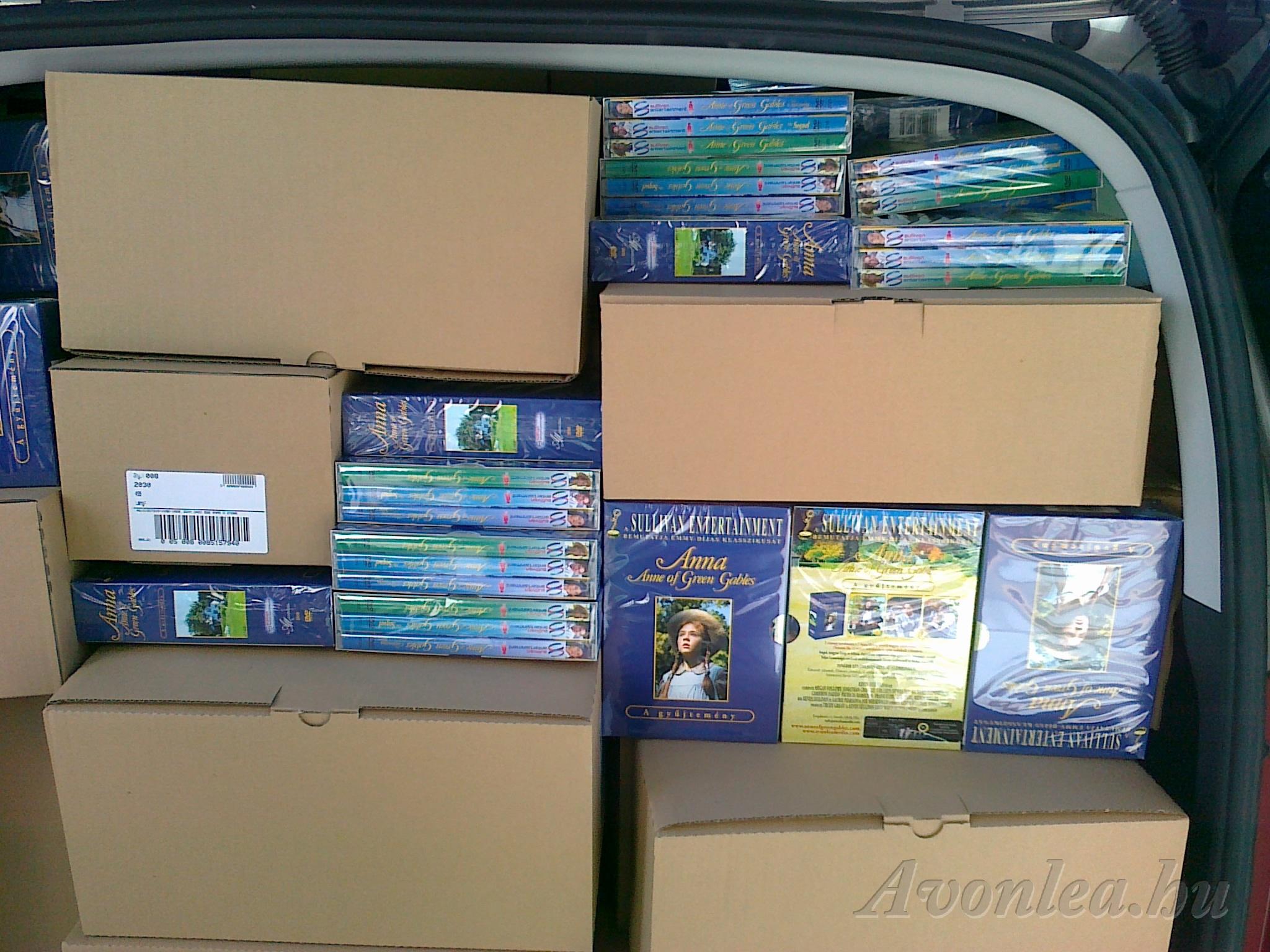 Az Anna DVD-csomagok 2010. szeptember 20-án úton Magyarország felé az ausztriai Sony DADC gyárból