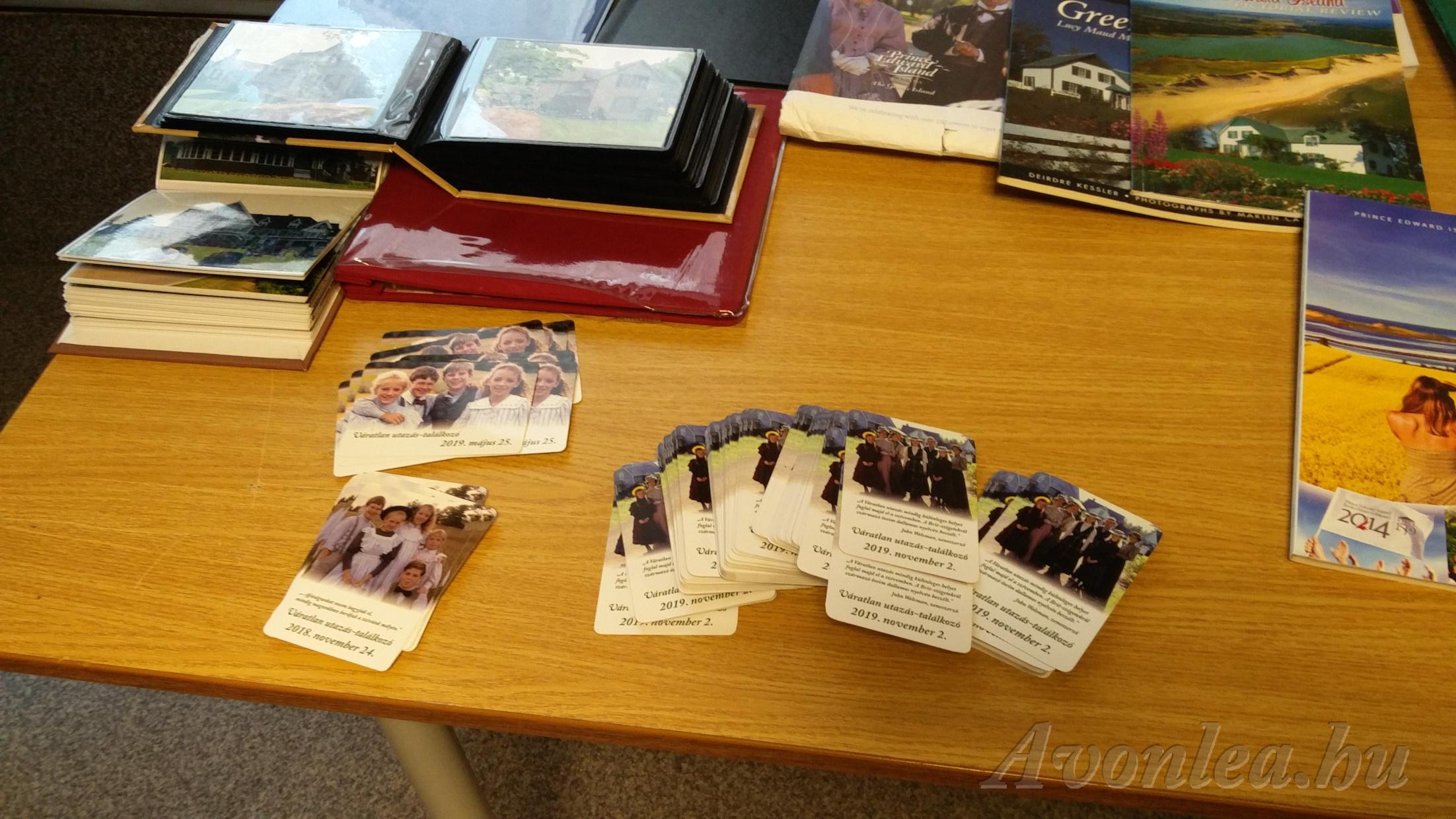Relikviák és a találkozóra készített emléklap
