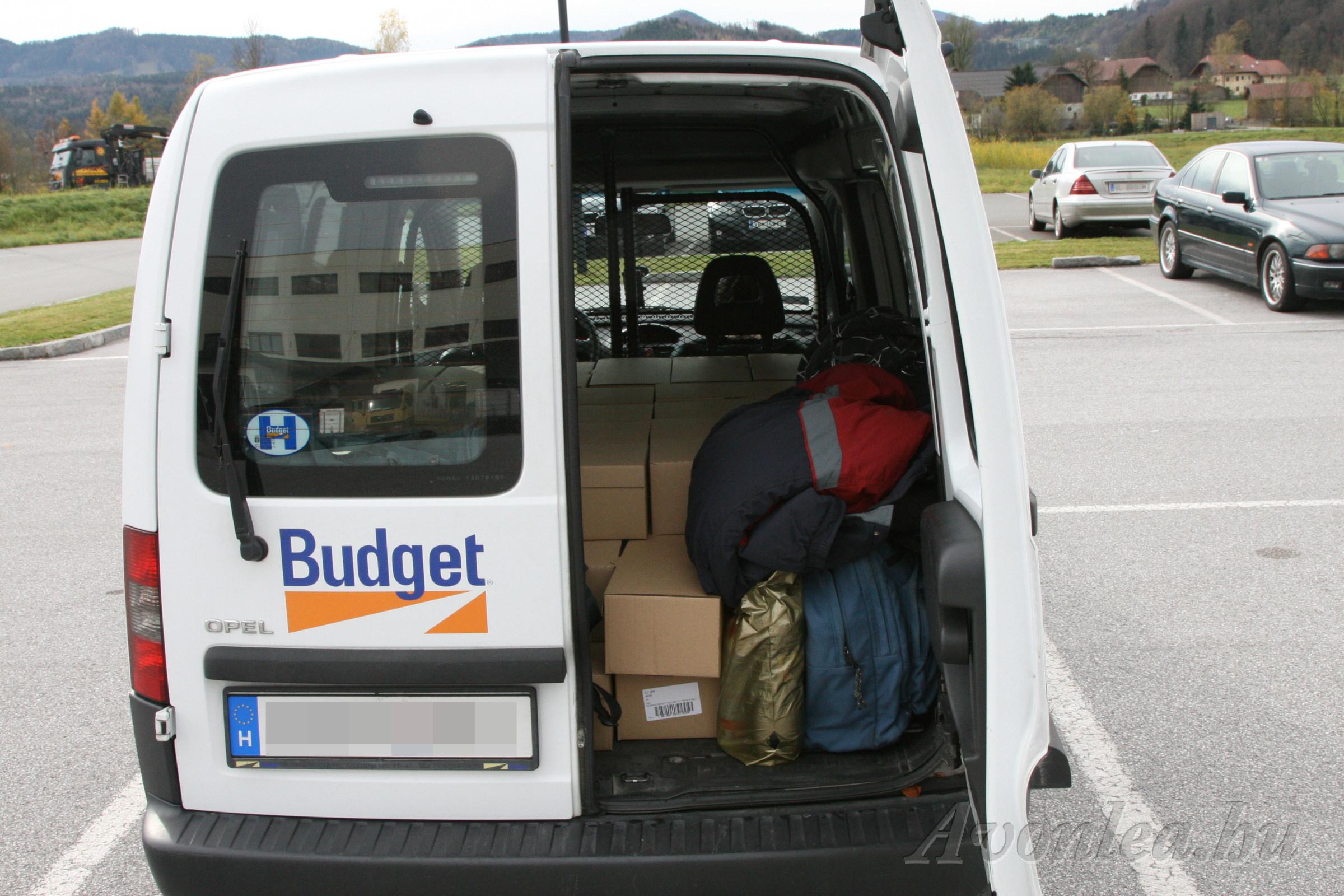 Anna DVD-k a szállításhoz bérelt autóban