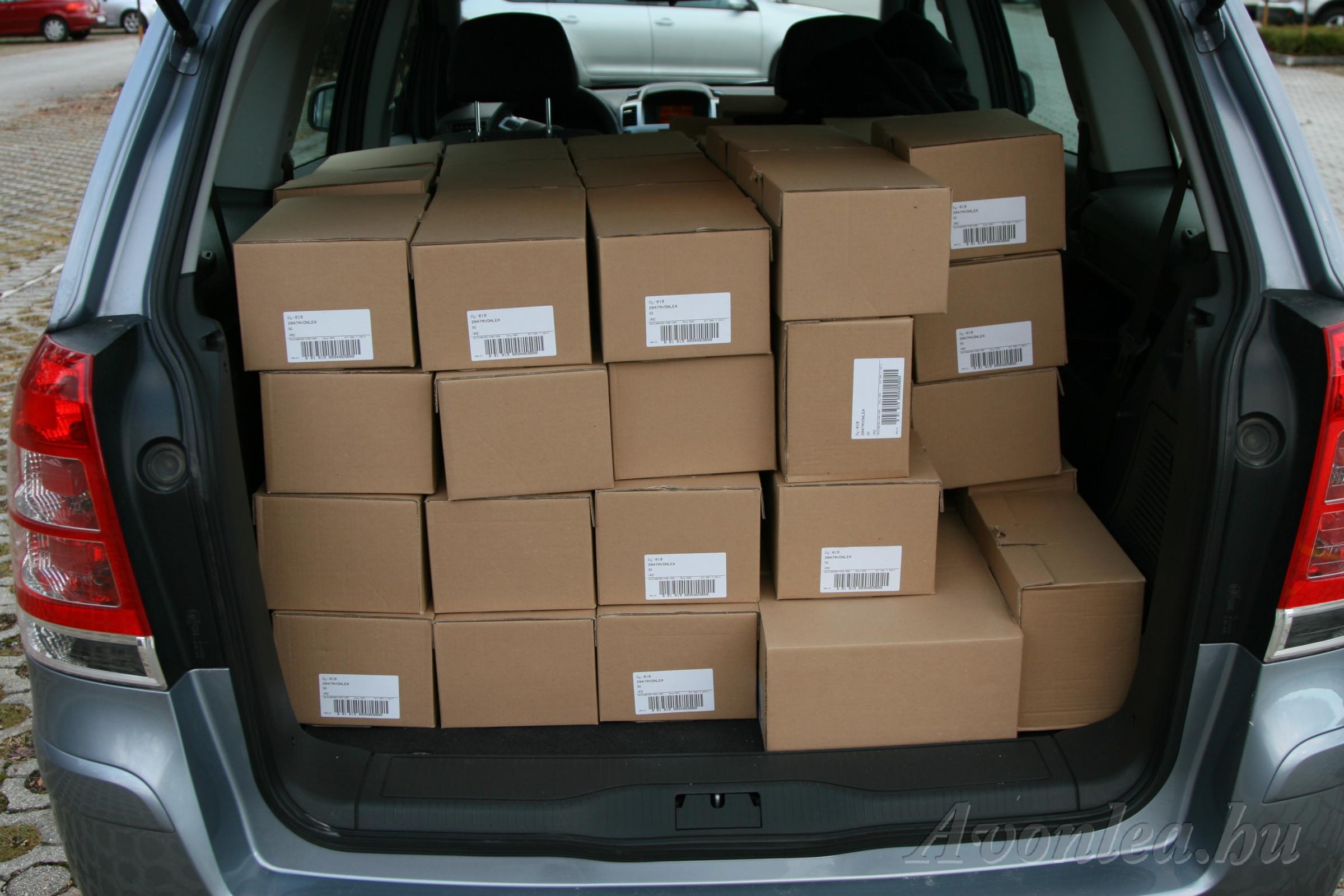 A VU DVD-k a dobozokban vannak