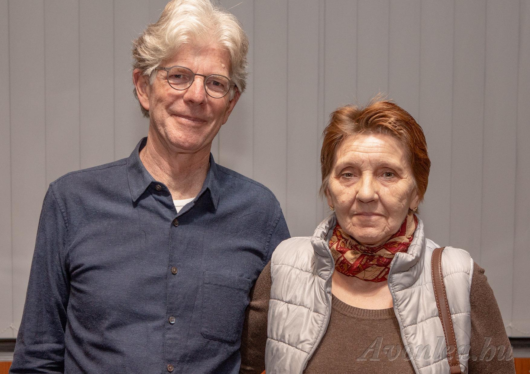 John és Hédi